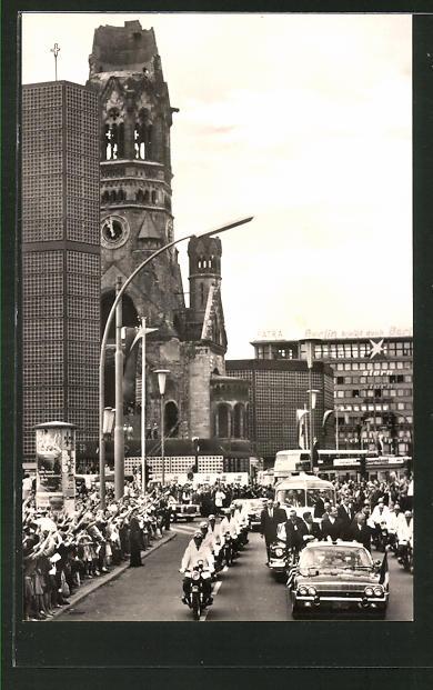 AK Berlin, Präsident Kennedy an der Kaiser-Wilhelm-Gedächtniskirche