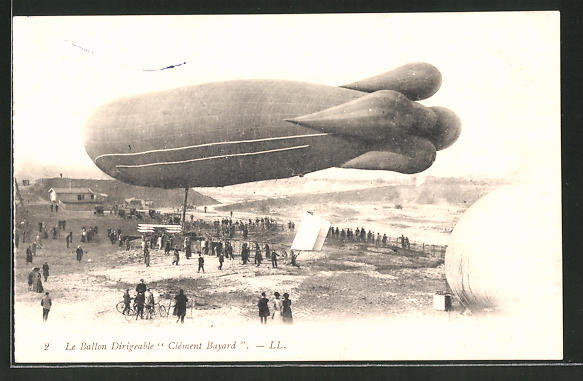 AK Zeppelin / Ballon dirigeable