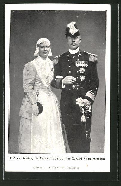 AK Königin von den Niederlanden in friesischer Tracht mit Prinz Hendrik