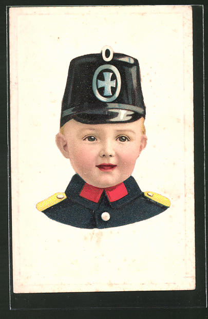 Präge-AK lachender Junge in Uniform mit Tschako
