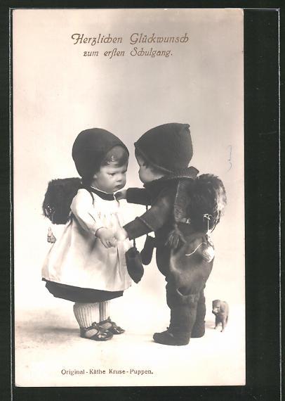 AK Käthe Kruse-Puppe als Schulanfänger mit Schulranzen