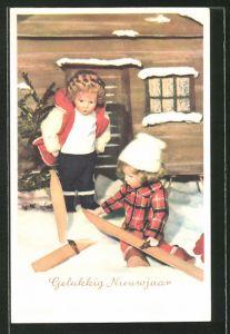 AK Käthe Kruse-Puppen mit Skiern im Schnee vor der Hütte