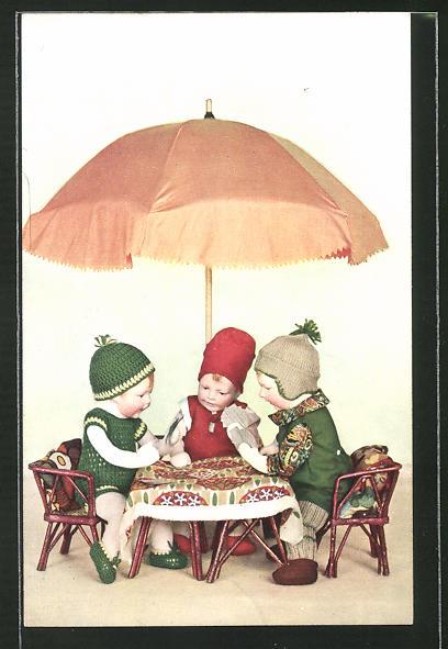 AK Käthe Kruse-Puppen bei Kartenspiel