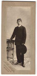 Fotografie J. B. Schäfer, Wiesbaden, Portrait Knabe in feierlichem Anzug