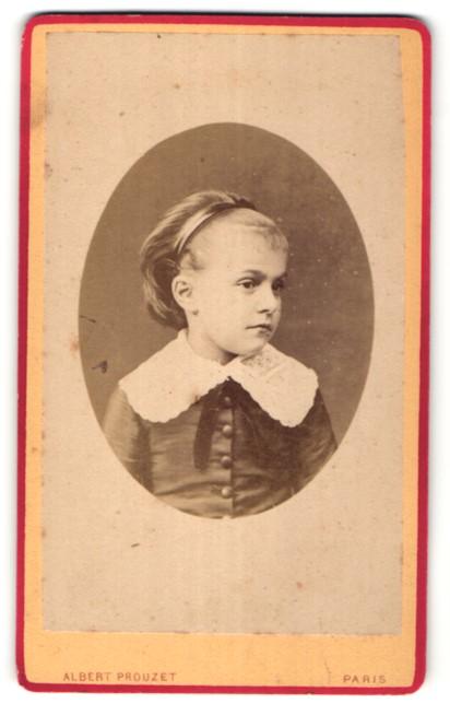 Fotografie Albert Prouzet, Paris, Portrait kleines Mädchen mit Harrreifen