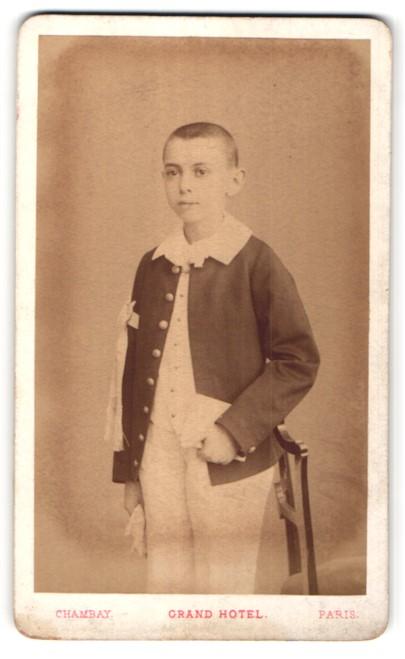 Fotografie Chambay, Paris, Portrait Knabe in feierlicher Kleidung