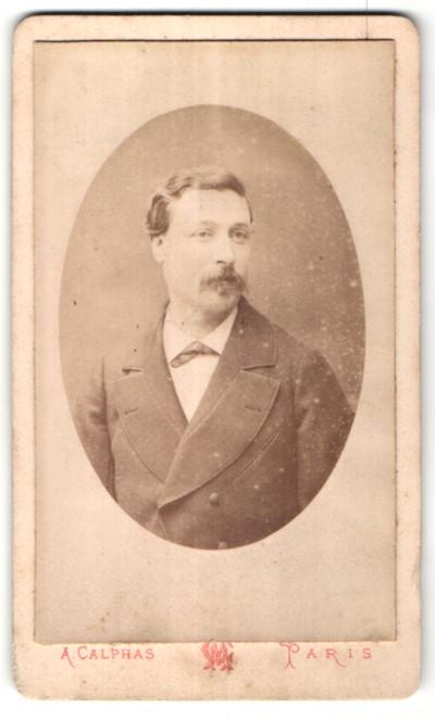 Fotografie A. Calphas, Paris, Portrait Herr mit Schnauzbart