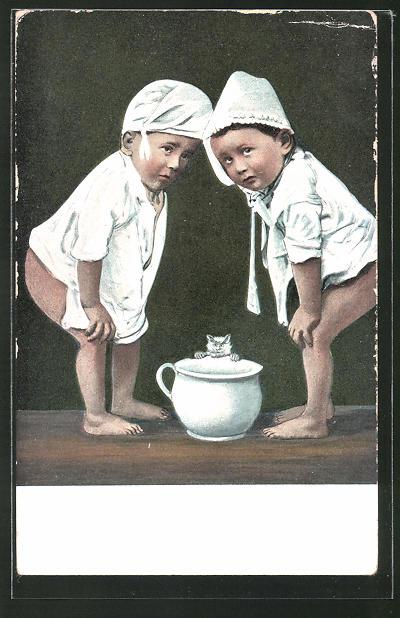AK Zwei lustige Kinder über Nachttopf
