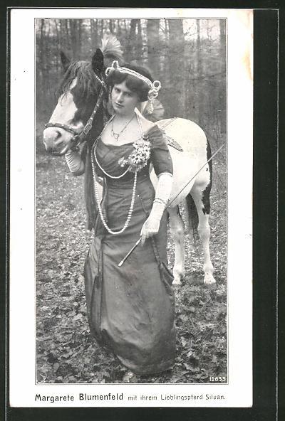 AK Margarete Blumenfeld mit ihrem Lieblingspferd Silvan, Zirkus