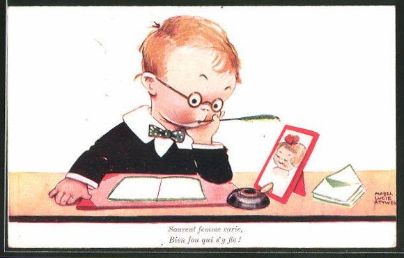 Künstler-AK Mabel Lucie Attwell: Kleiner Briefeschreiber betrachtet ein Foto der Liebsten