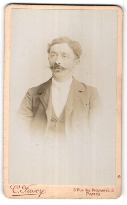 Fotografie C. Favey, Paris, Portrait Herr mit Schnauzbart