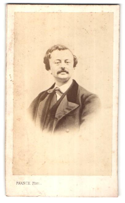 Fotografie Franck, Paris, Portrait Herr mit zeitgenöss. Frisur
