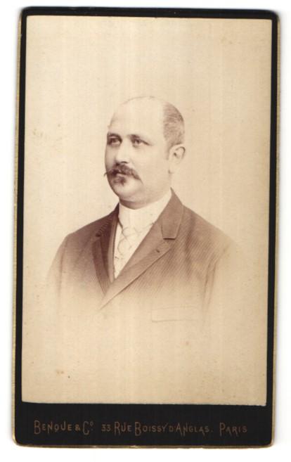 Fotografie Benque & Co., Paris, Portrait Herr mit Schnauzbart