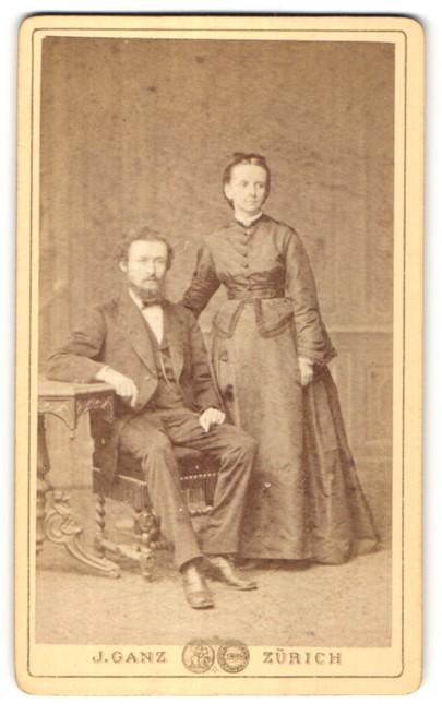 Fotografie J. Ganz, Zürich, Portrait gutbürgerliches Paar