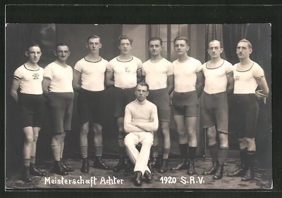 AK Meisterschafts Achter im Rudern von 1920 S.R.V.