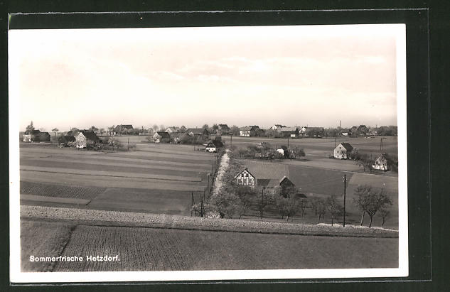 AK Hetzdorf, Ortspanorama vom Hügel aus gesehen