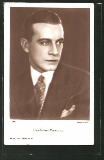 AK Schauspieler Swetislaw Petrovits im Anzug zur Seite schauend