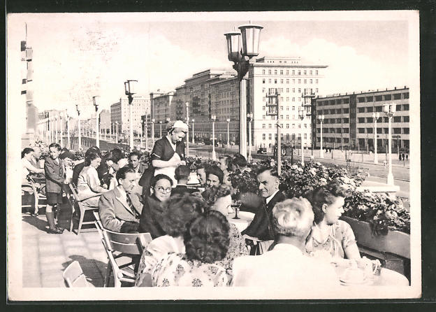 AK Berlin, Stalinallee, Terrasse Cafe Warschau, Block D-Nord