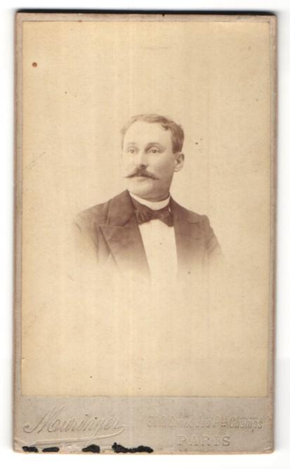 Fotografie A. Muringer, Paris, Portrait Herr mit Schnauzbart