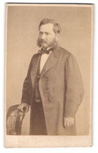 Fotografie A. Brochet, Autun, Portrait bürgerlicher Herr mit Backenbart