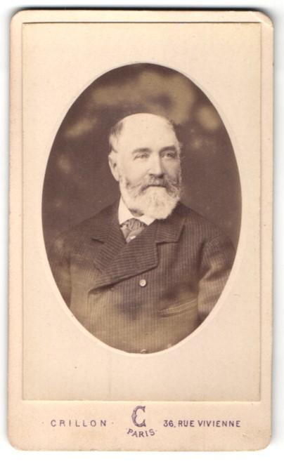 Fotografie Crillon, Paris, Portrait betagter Herr mit Vollbart