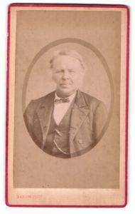 Fotografie Baron, Dunkerque, Portrait bürgerlicher Herr mit Backenbart