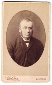 Fotografie Gallas, Chartres, Portrait bürgerlicher Herr mit Backenbart