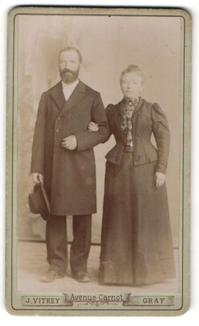 Fotografie J. Vitrey, Gray, Portrait bürgerliches Paar