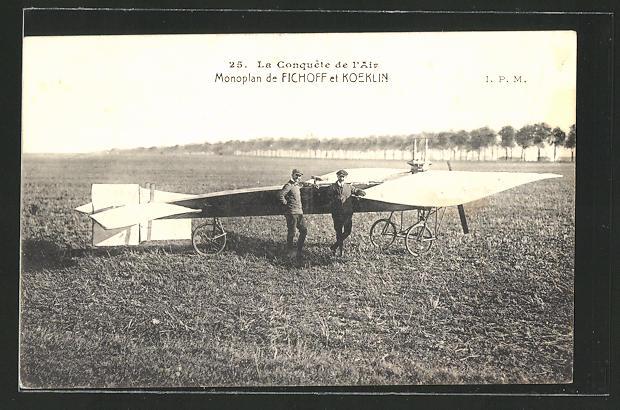 AK Piloten Fichoff und Koeklin am Eindecker-Flugzeug
