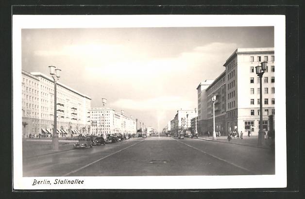 AK Berlin, Stalinallee mit Neubauten