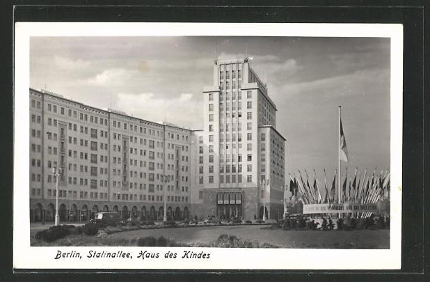AK Berlin, Stalinallee, Haus des Kindes