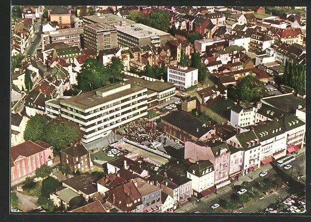 AK Siegburg, Blick auf Rathaus und städtisches Krankenhaus vom Flugzeug aus