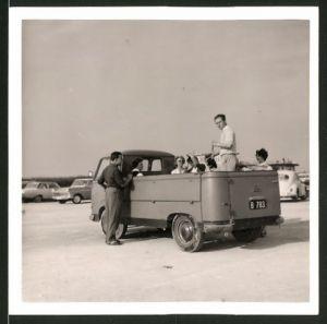 Fotografie Auto Ford FK Pritsche, Ausflugsgesellschaft mit Transporter