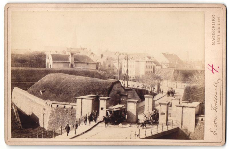 Fotografie E. von Flottwell, Magdeburg, Ansicht Magdeburg, Pferdebahn in der Krökentorpassage