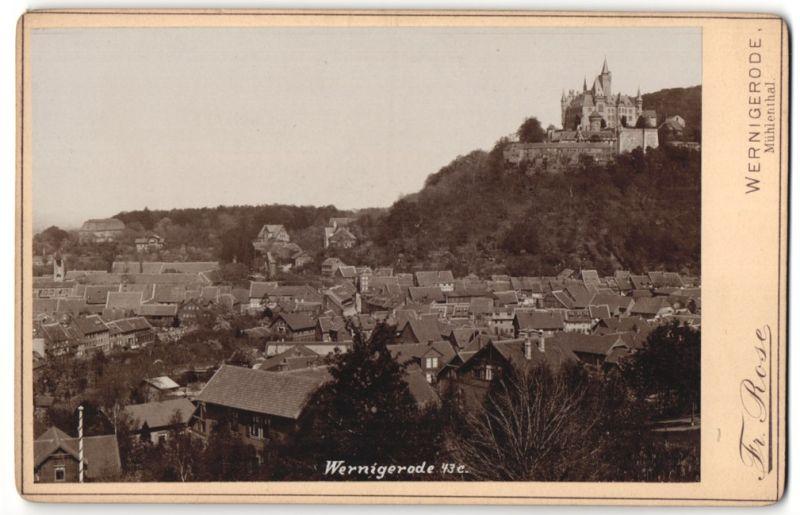 Fotografie Fr. Rose, Wernigerode, Ansicht Wernigerode, Ortsansicht mit Schloss