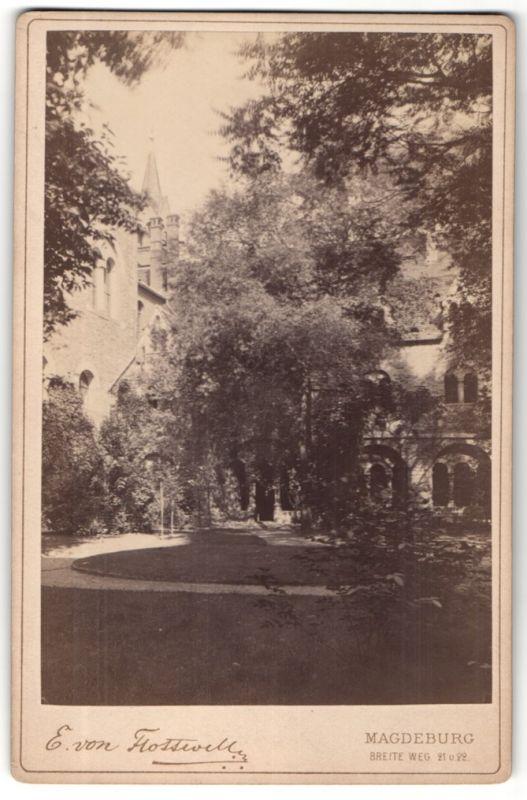 Fotografie E. von Flottwell, Magdeburg, Ansicht Magdeburg, Partie im Klostergarten