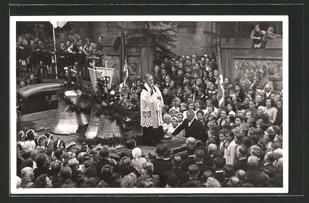 Foto-AK Ober-Roden, Priester bei der Glockenweihe