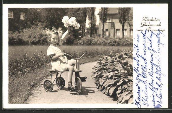 AK Kleine Gratulantin zum Namenstage auf einem Dreirad