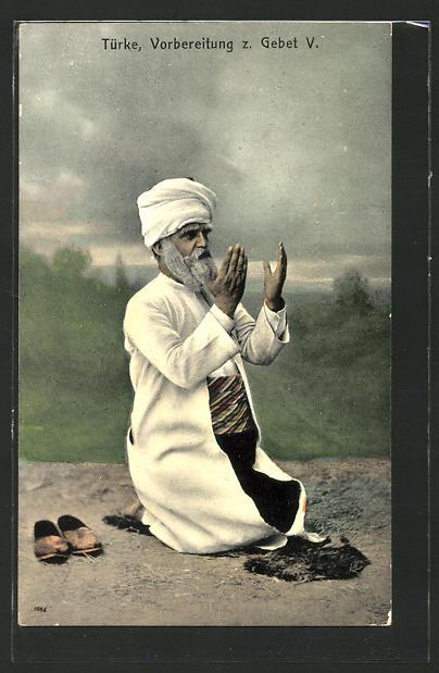 AK Türke bei der Vorbereitung z. Gebet V.
