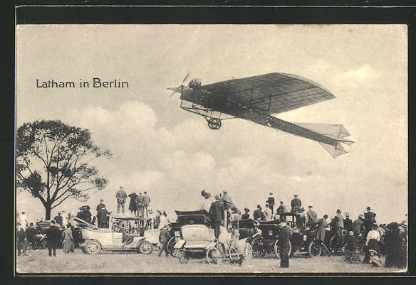 AK Berlin, Flugkünstler Latham in seiner Maschine und Schaulustige