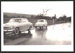 Fotografie Auto Fiat 500, PKW auf einer Landstrasse
