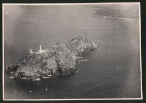 Fotografie Fotograf unbekannt, Ansicht Korsika, Insel mit Leuchtturm