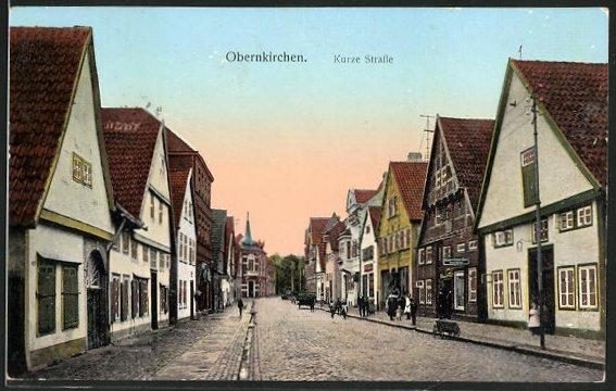 Goldfenster-AK Obernkirchen, Häuser in der Kurze Strasse mit leuchtenden Fenstern