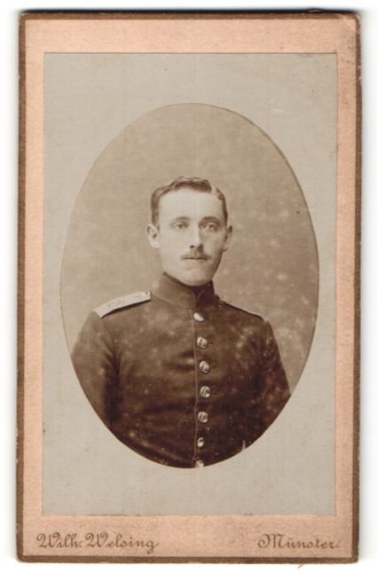 Fotografie Wilh. Welsing, Münster, Portrait Soldat in Uniform