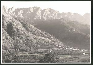 Fotografie Fotograf unbekannt, Ansicht Partschins / Südtirol, Ortsansicht mit Landschaftspanorama