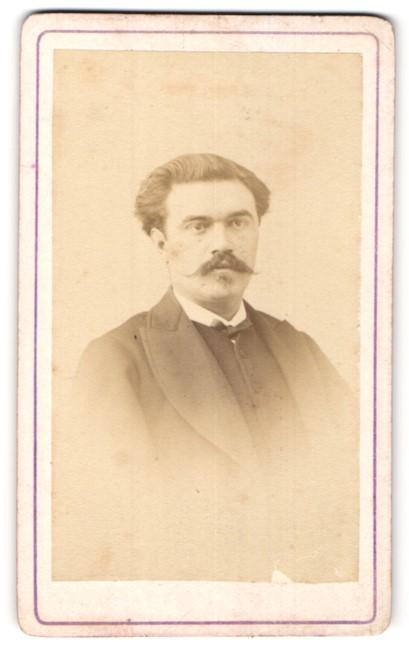 Fotografie Baudon, Montpellier, Portrait eleganter junger Herr mit Henriquatre