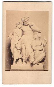Fotografie F. & O. Brockmann, Dresden, Figurengruppe von Johannes Schilling, Der Abend