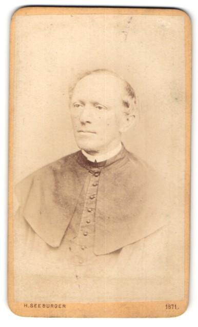Fotografie H. Seeburger, Olmütz, Portrait kathol. Geistlicher