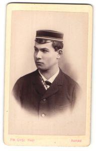 Fotografie Fr. Gysi, Aarau, Portrait Student mit Korpsmütze