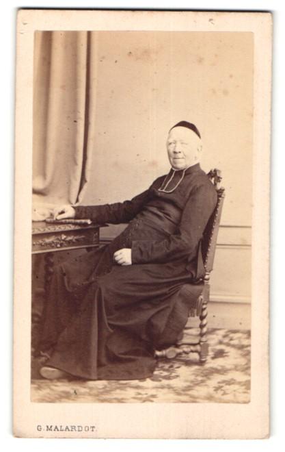 Fotografie G. Malardot, Metz, Portrait kathol. Geistlicher
